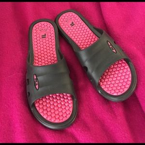 FILA Black and pink rubber sandals